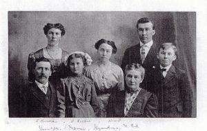 Familienbild des Auswanderers Johann Adam Riehle, geb. 30.10.1864 in Mähringen