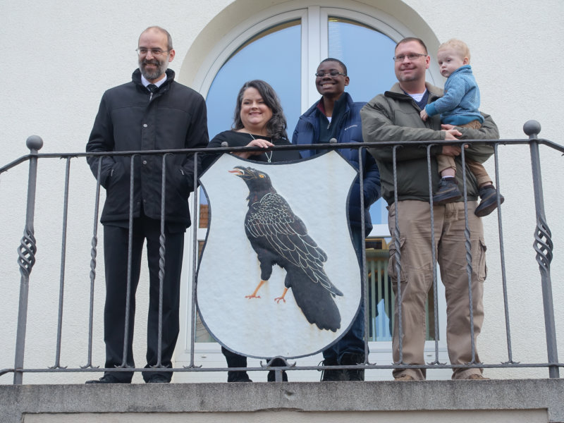 v.l. Bürgermeister Soltau, Melanie Jay, Nathan Jay, Keith und Sackary Jay